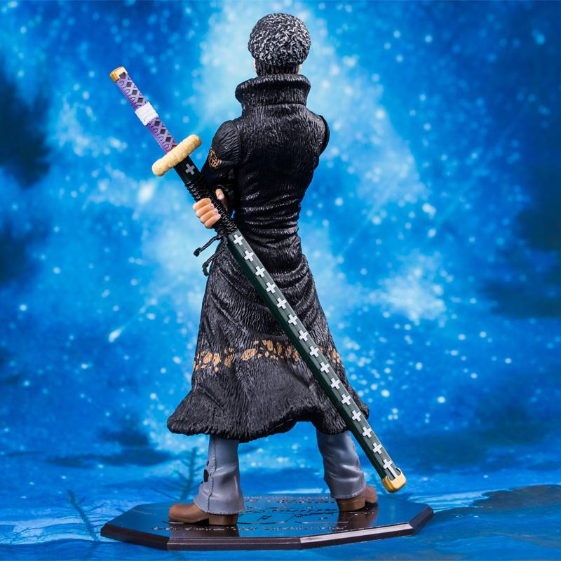Merch Scale Figure Trafalgar D. Water Law One Piece 23Cm