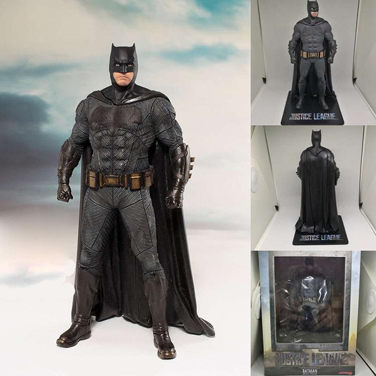 Merchandise Actin Figure Justice League Batman Armor Costume 20Cm