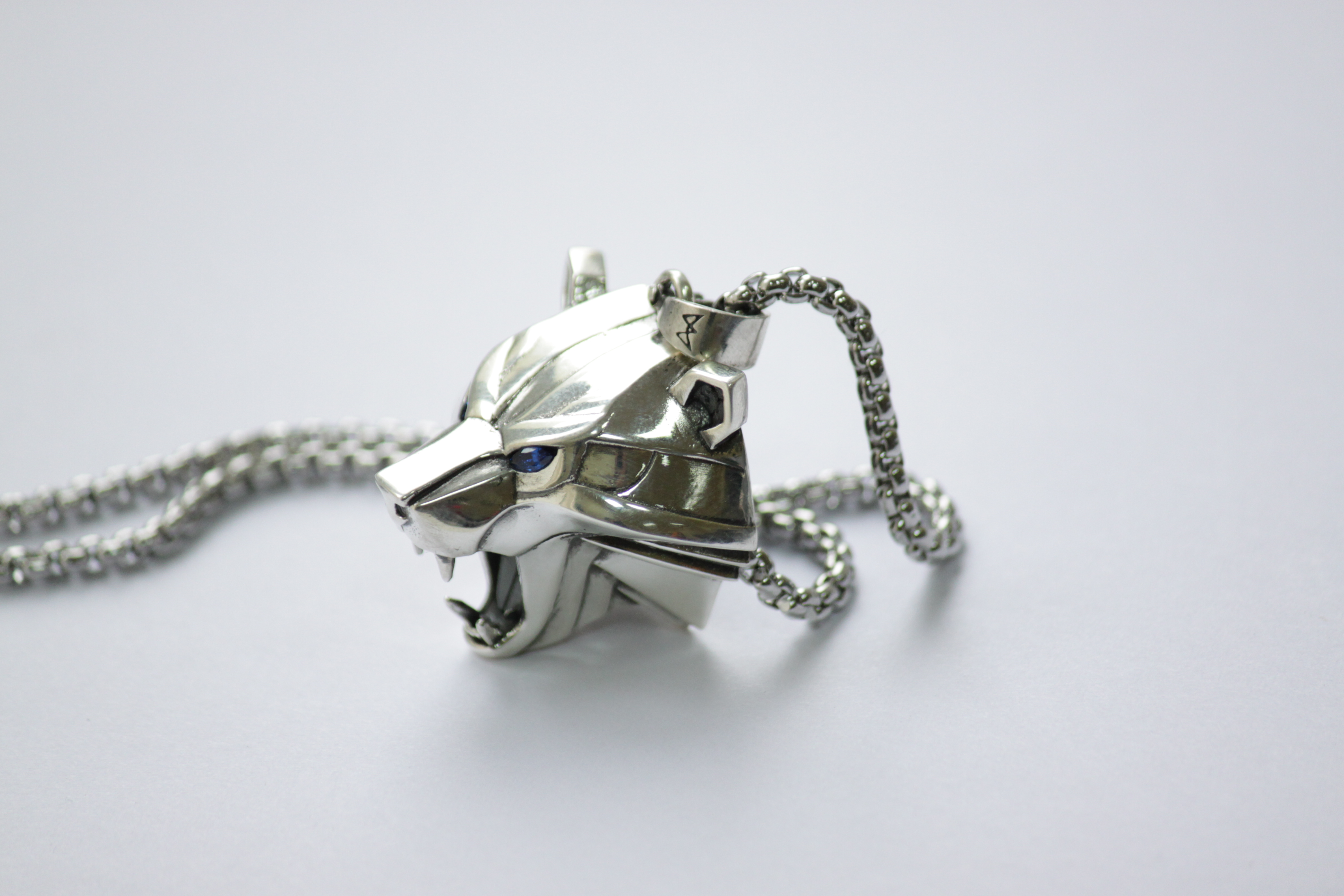 Collectibles Silver Bear Necklace The Witcher