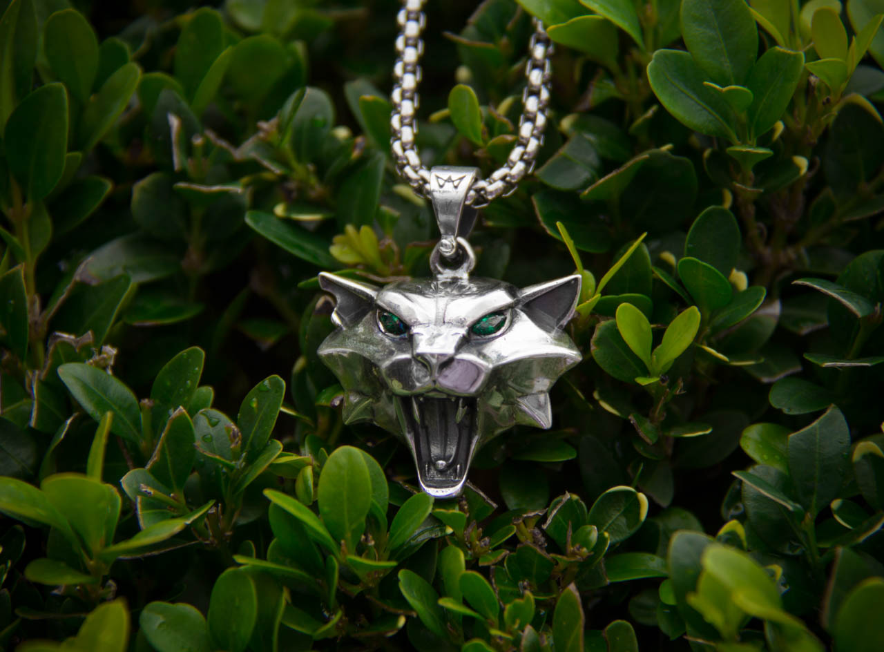 Collectibles Witcher Cat Logo Emblem Game Necklace