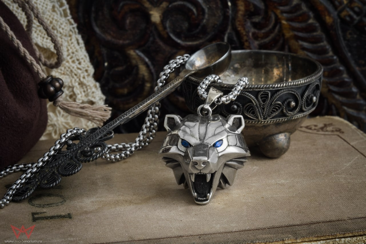 Collectibles Bear School Necklace The Witcher Emblem