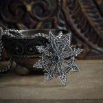Merch Silver Warhammer 40K Chaos Star Pendant