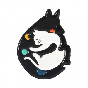 Collectibles Pin Space And Moon Cats Enamel Brooch