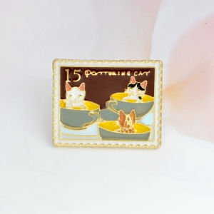 Collectibles Pin Pottering Cat Cups Enamel Brooch