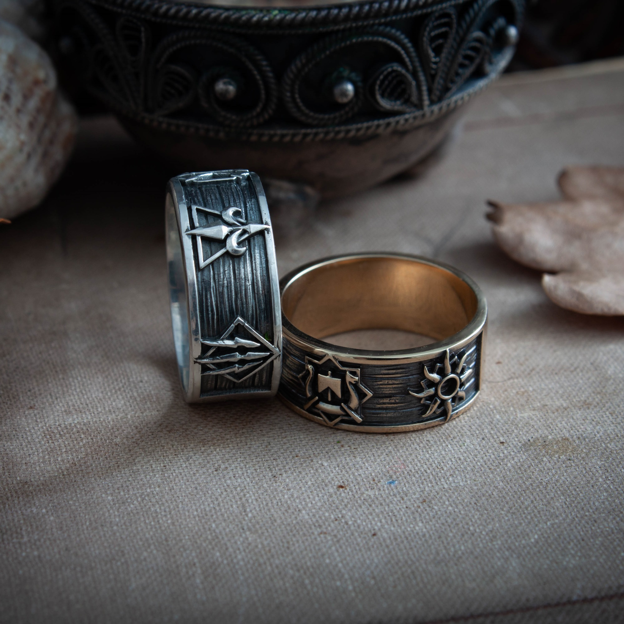 Merch Card Collector Ring Witcher White Wolf