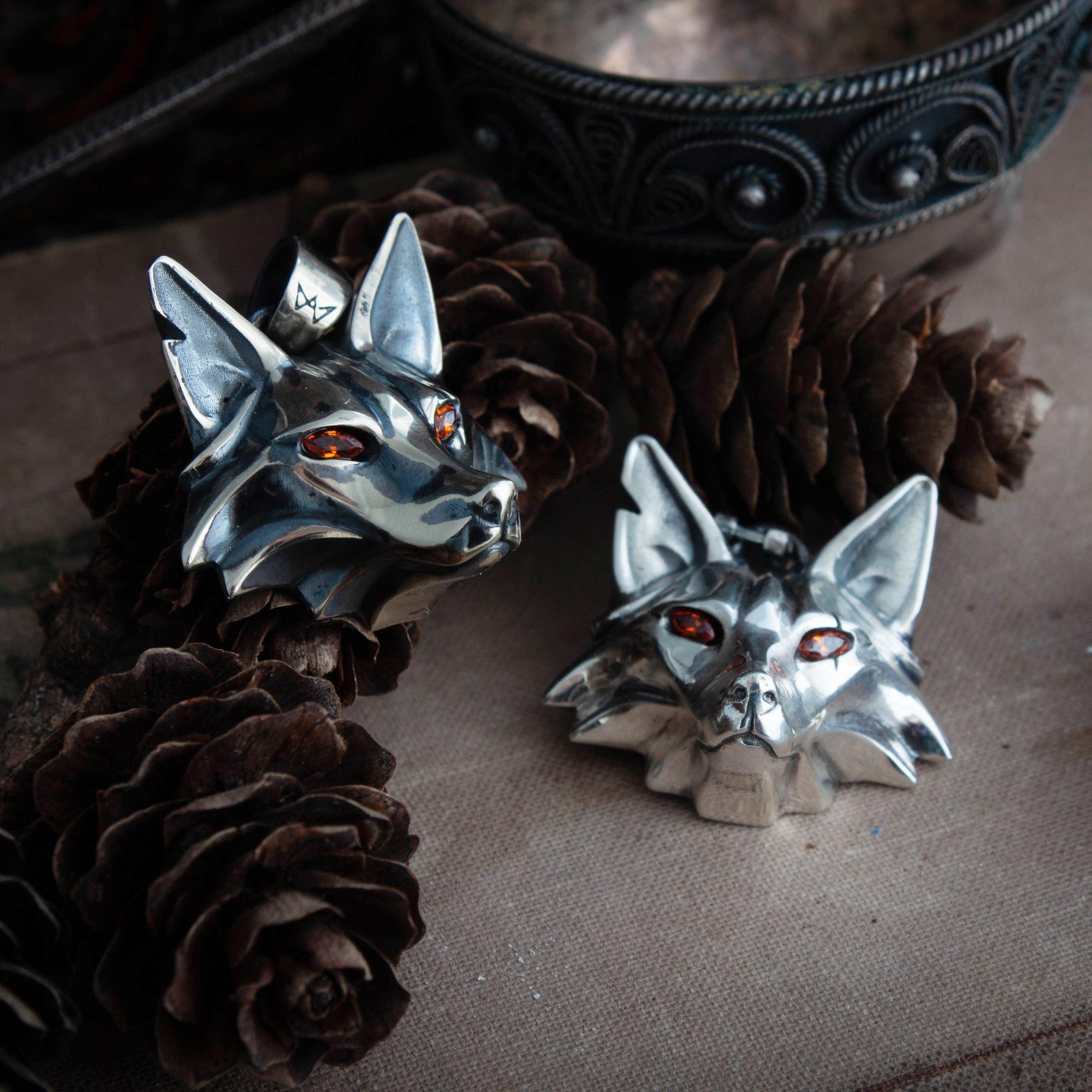 Merchandise Fox Medallion School Of Fox Necklace Witcher