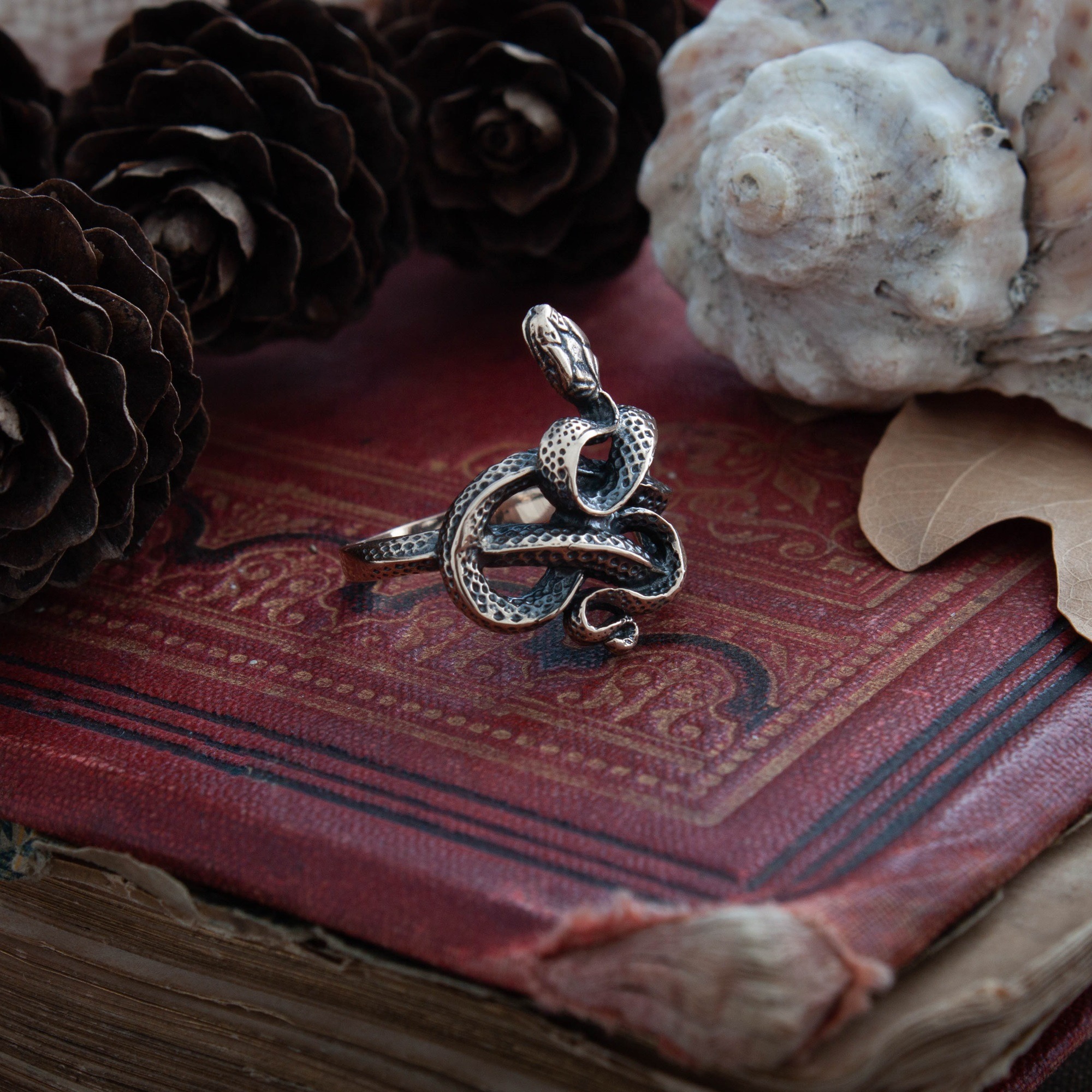 Collectibles Handmade Ring With Snake Mystic