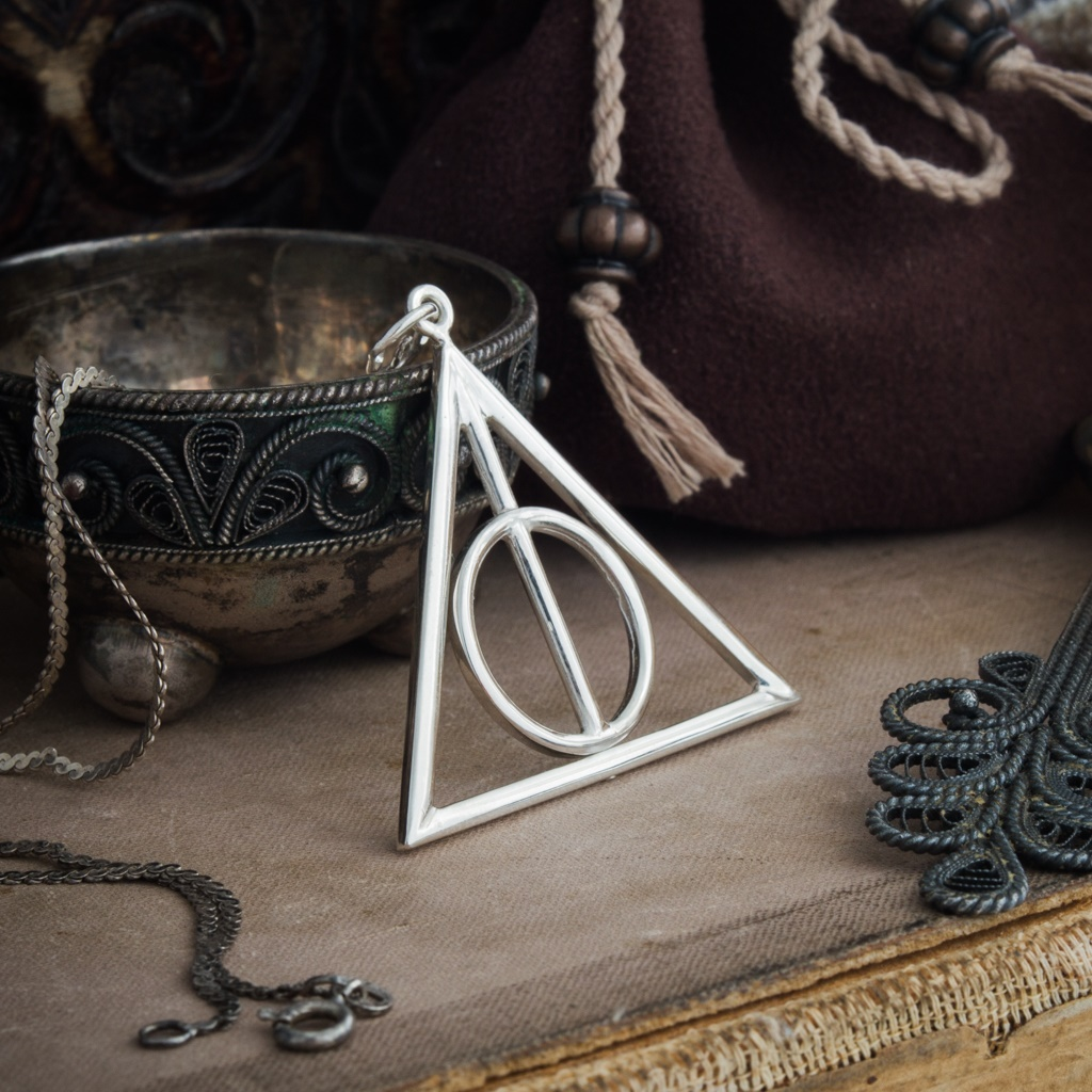 Merchandise Deathly Hallows Necklace Harry Potter School Of Magic