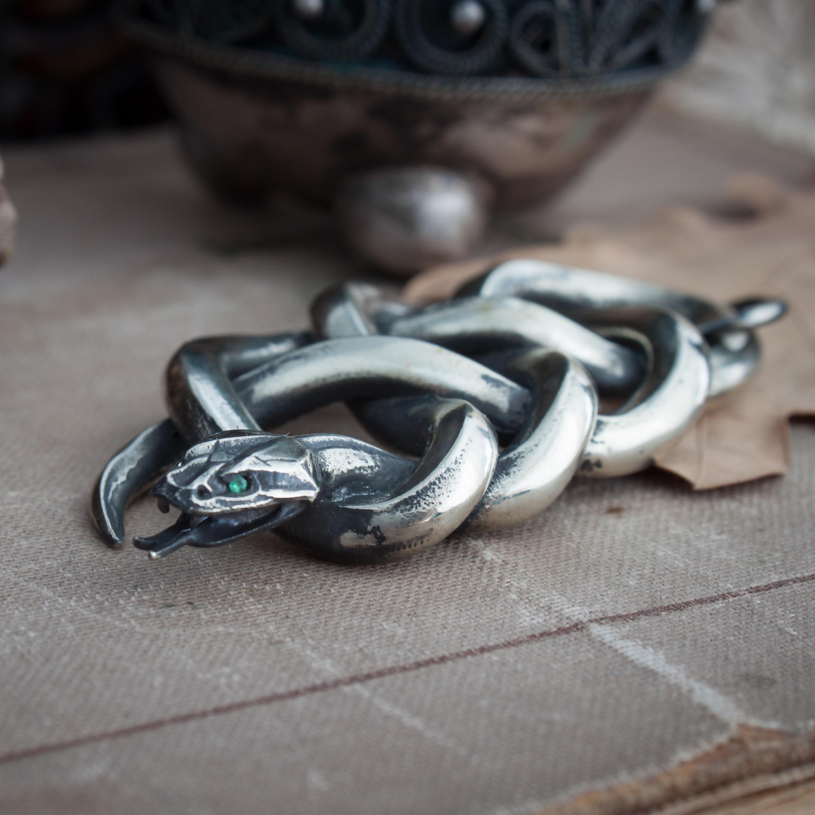Collectibles Viper School Medallion Serpent Pendant Witcher