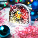 People_201_Snow_Globe_Front_Transparent_500